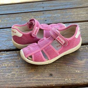 Naturino pink Velcro sandals hiking play